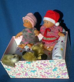 2 kleine Puppen mini Simba 15 cm mit Dekoschachtel + Bettzeu